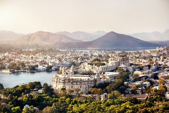 India Udaipur Lake Palace and Lake Pichola iStock-494125838 med.jpg