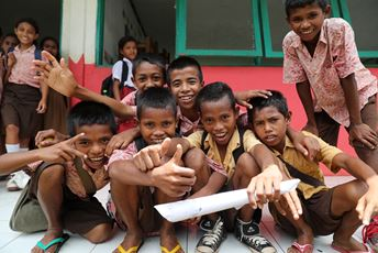 Indonesia Sumba Foundation - education support - Jason Childs.JPG