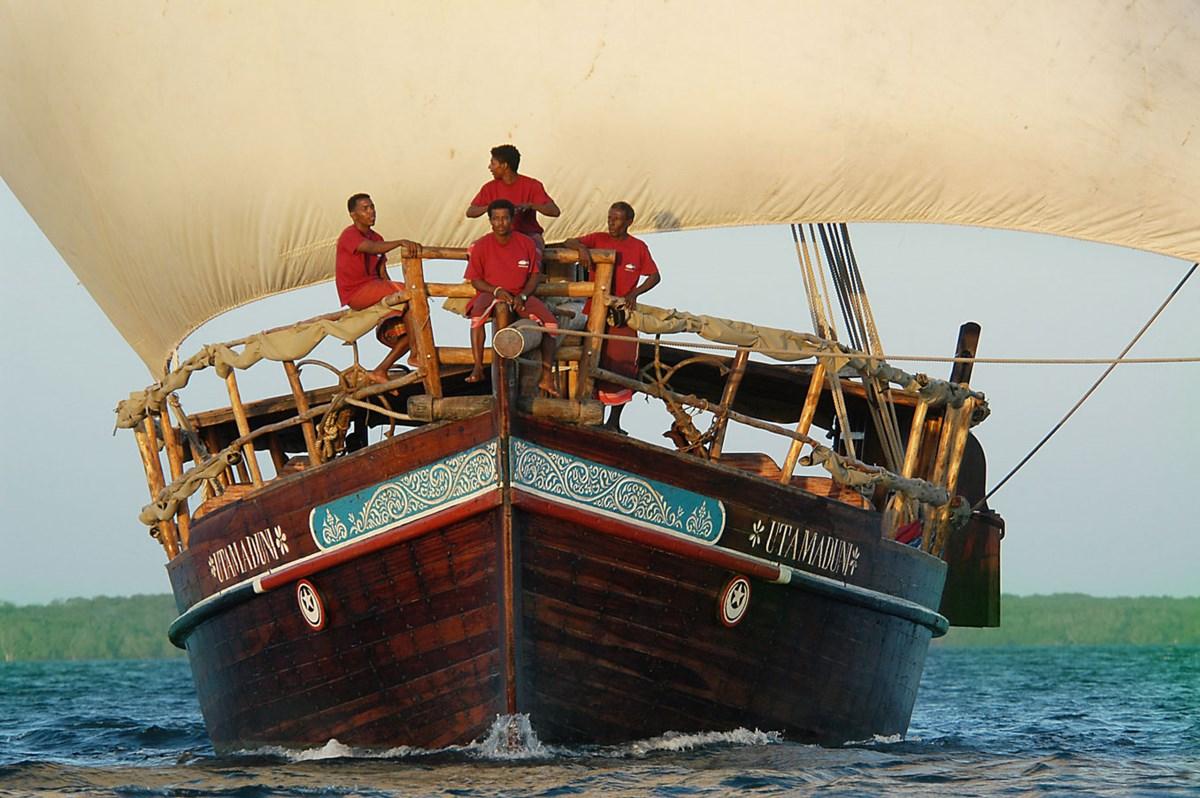 Yachts, Catamarans
