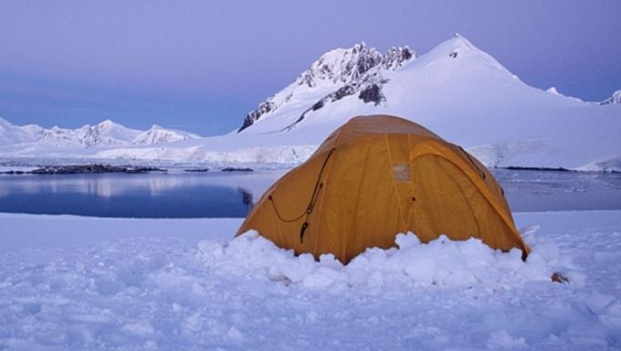 antarctica active adventures lead.jpg