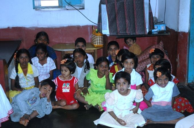 Childrens Orph in India.JPG