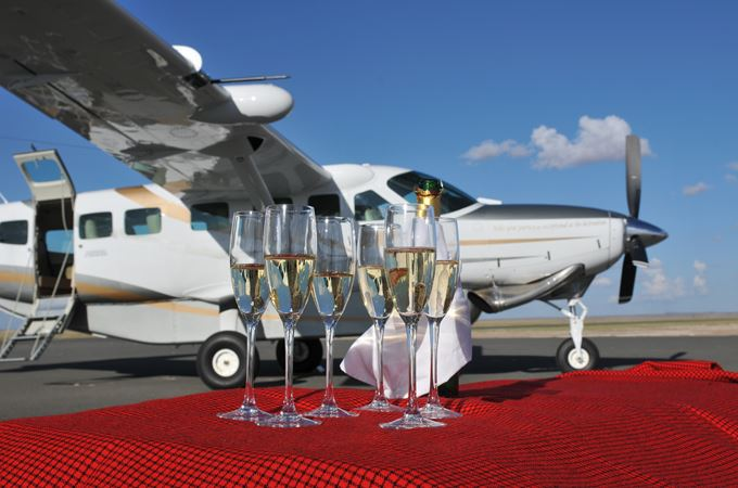 Private aircraft for your flying safari