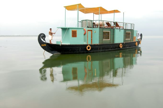 India - Accom Style - House boat - Privacy 1.jpg