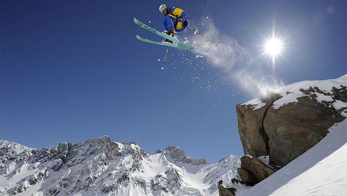 Asia - holiday ideas - Heli Skiing in Nepal and Kashmir 5.jpg