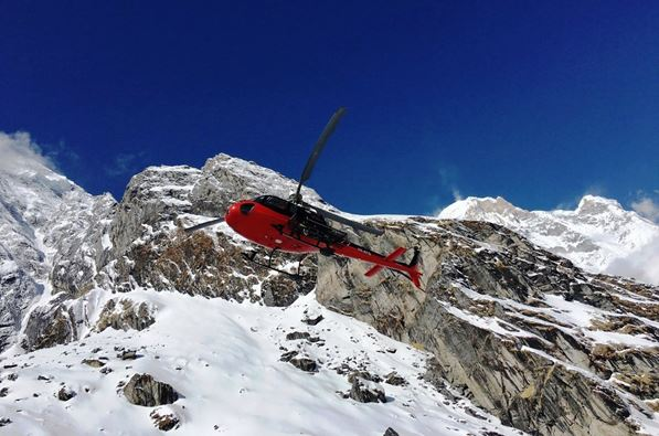 Nepal - Mustang - Helicopter Annapurnas.jpg