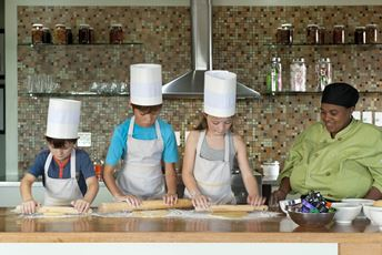 Africa - Family safaris - baking.jpg