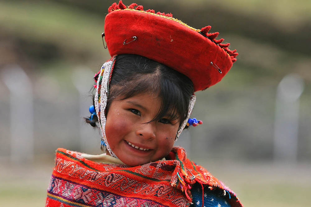 Peru - sustainable - Cusco - Local girl MLP.jpg