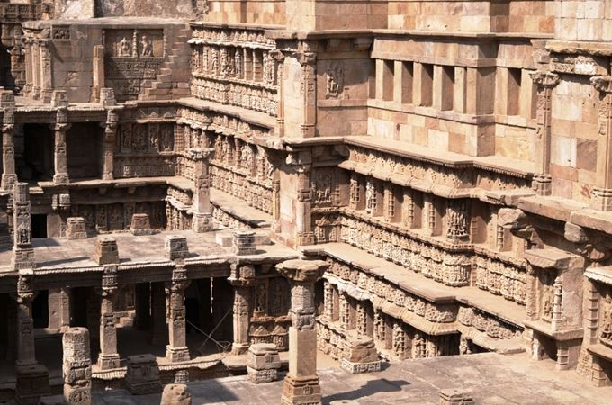 Asia - India - Gujarat - Patan - Rani-ki-Vav step well.jpg