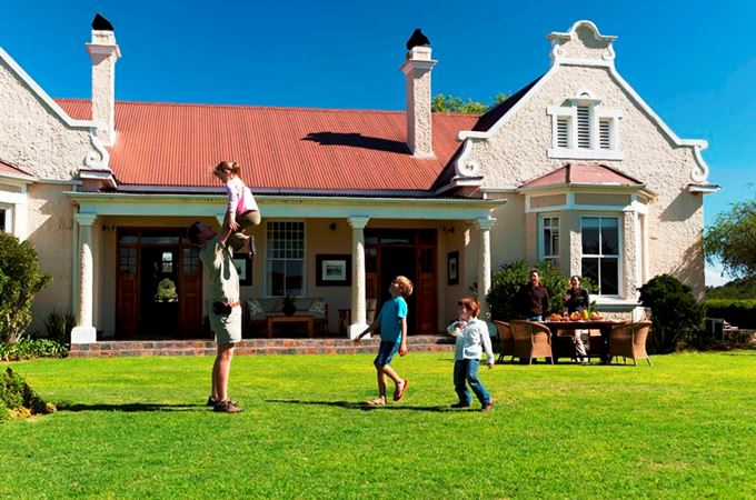 KWANDWE - Uplands Homestead - kids on the front lawn.jpg