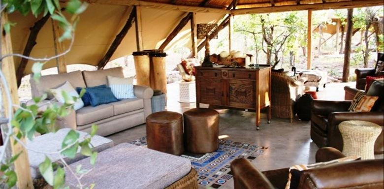 Zimbabwe - Changa Camp -Change lounge -0.jpg