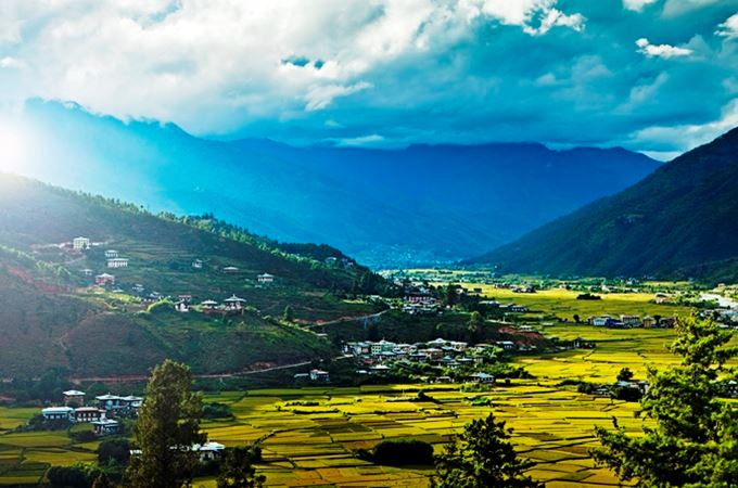 Uma PAro - (downloaded from their image library) - Paro Valley.jpg