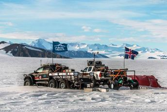 Antarctica - Arctic Trucks - Drive to South Pole.jpg