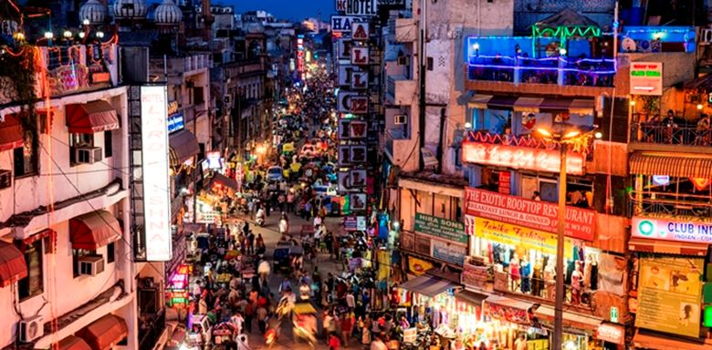 9 - City life - Main Bazar, Paharganj, New Delhi, India.jpg