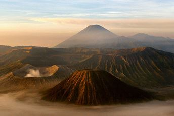 Indonesia - Volcanoes - Pixabay.jpg
